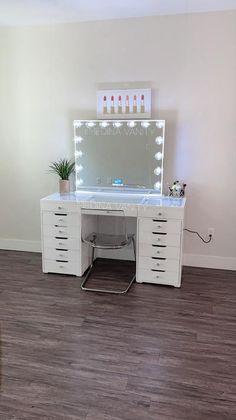 ZARA Vanity Table + 2 Dressers - Medina Vanity Interior design could be the art Vanity Makeup Rooms, Vanity Room, Makeup Room Decor, Makeup Vanities, Vanity Mirrors, Room Ideas Bedroom, Bedroom Decor, Audio Room, Dorm Ideas