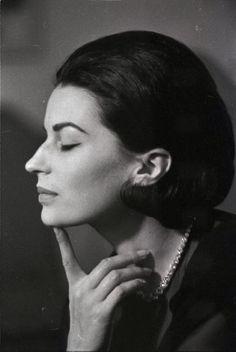 Silvana Mangano, best Italian actress A lovely photo.....don't you think Arbi?