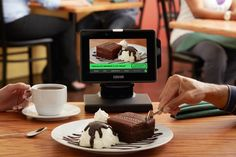 Restaurants Are Turning to Tablets to Speed Up Service - Eater Good Back Workouts, Back Fat Workout, Digital Tablet, Restaurant Tables, Seafood Restaurant, Menu Items, Us Cars, Food Trends, Food Allergies