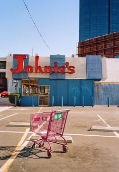 Johnie's Coffee Shop ▪ Los Angeles, California by phdonohue California Camping, California Dreamin', Palm Springs, Colorado Springs, Amazing Photography, Street Photography, Feed Insta, Los Angeles Shopping, City Of Angels