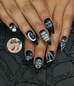 Essa manicure inspirada em Harry Potter.
