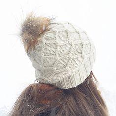 Ravelry: Diamantflettelue/ Hat With Diamond Cables pattern by Strikkelisa