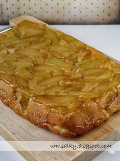 U mlsalky: Obrácený jablečný koláč Desert Recipes, Food Hacks, Apple Pie, Ham, Cheesecake, Deserts, Food Porn, Toast, Food And Drink