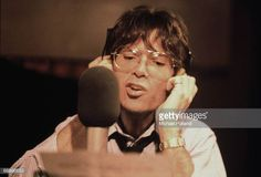 english-singer-cliff-richard-in-a-recording-studio-1982-picture-id88896653 (612×415)