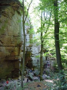 Berdorf ~ Luxemburg super mooie klimroutes, helaas was mijn dochter toen nog te licht om mij te zekeren, dus allen de kids hebben  hier toprope geklommen, dus ik heb alleen een paar abseils  gedaan.