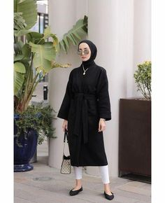 Modern Hijab Fashion, Street Hijab Fashion, Muslim Fashion, Modest Fashion, Fashion Outfits, Casual Hijab Outfit, Hijab Chic, Black Hijab, Ootd