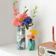 Setje botanical | HAPPY HUGS | Happy Whatever Unique Cards, Hugs, Glass Vase, Happy, Instagram, Home Decor, Big Hugs, Decoration Home, Room Decor