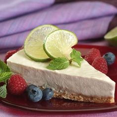 This frozen La Lechera Tangy Lime Pie uses blended cream cheese and cream to create a deliciously smooth filling. Garnish with lime slices, berries or mint sprigs.
