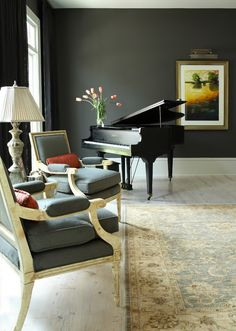 I love the seats in the room with the piano. All of the elements work really well together in this piano room. It makes the piano very appealing. Grand Piano Room, Piano Room Decor, Piano Studio Room, Room Art, Piano Living Rooms, Formal Living Rooms, Living Room Modern, Living Room Designs, Living Room Decor
