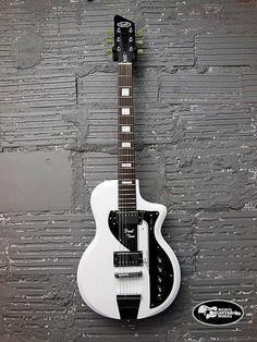 Eastwood Guitars Supro Dual Tone