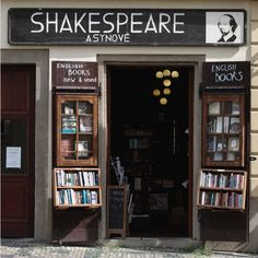 Shakespeare 2nd hand book store <3