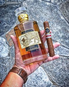 a very curious brand of whisky 🥃 from the Swiss 🇨🇭 This special edition bottle. Cigar And Whiskey Party, Good Whiskey, Cigar Shops, Cigar Bar, Distilled Beverage, Alcohol Spirits, Whisky Bar, Juicy Juice, Good Cigars