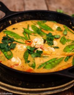 Thai Red Curry. This dinner is quick, delicious, light and a spicy-perfect for busy school nights! #thai #curry #asian