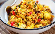 Ryż smażony z tofu. Szybko, bez mięsa, bardzo dużo smaku [PRZEPIS] Vegetarian Recipes, Cooking Recipes, Healthy Recipes, Vegan Lunch Box, Big Meals, Tofu, Food Inspiration, Chicken Recipes, Clean Eating
