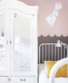 pink + brown + mustard: gorgeous girl's room + some pretty awesome scalloped wall design here