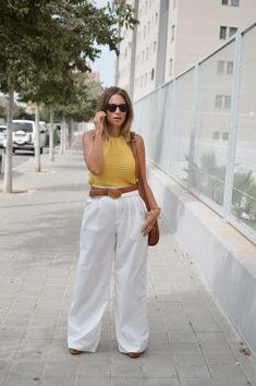 Pantalón blanco Top Amarillo, Pants, Fashion, Wide Legs, Storage Room, High Waist, Summer Time, Trouser Pants, Moda