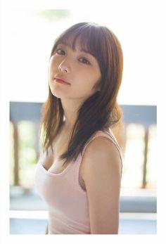 Beautiful Japanese Girl, Beautiful Girl Image, Young And Beautiful, Cute Girl Photo, Fashion Poses, Monochrom, Asia Girl, Cute Woman, Girl Photos
