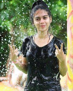 cute girls n Smart boys ( Cute Girl Poses, Girl Photo Poses, Cute Girls, Beautiful Girl In India, Beautiful Girl Image, Beautiful Smile, Beautiful Women, Cute Girl Face, Cute Girl Photo