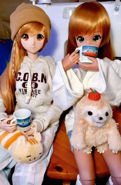 """Ebony and Mirai with their new cups! The uk is rubbing off on them with all that tea #smartdoll #dannychoo #etsyme"""