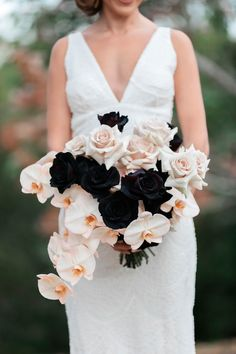 blush and bridal bouquet with orchids and black roses - İpekce Fikirler Black Rose Bouquet, Orchid Bouquet, Rose Wedding Bouquet, Bridal Flowers, Floral Wedding, Wedding Colors, Black Roses, Tacky Wedding, Prom Bouquet