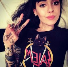 Designer Clothes, Shoes & Bags for Women Hannah Snowdon Tattoo, Hannah Pixie Snowdon, Vanessa Name, Sexy Tattoos, Girl Tattoos, Grace Neutral, Beautiful Outfits, Beautiful Women, She Is Gorgeous