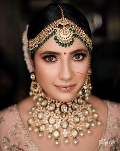 Indian Wedding Receptions, Indian Wedding Photos, Wedding Mandap, Tamil Wedding, Bridal Makeup Pictures, Bridal Jewelry Sets, Bridal Jewellery, Bridal Accessories, Peach Wedding Invitations