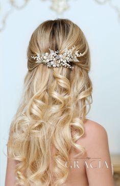 GAIA Flower Silver Pearl Wedding Hair Comb Rhinestone Bridal Hair Jewelry Crystal Headpiece by TopGracia #topgraciawedding #bridalhairacomb #weddinghaircomb