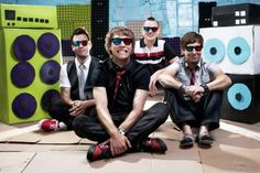 Hawk Nelson is my favorite band! I love them!!!!!!!!!!!!