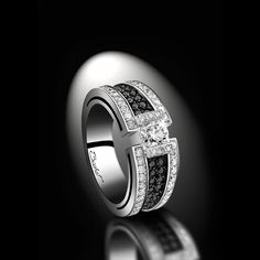 Maison Bachet White Palladium Gold Ring