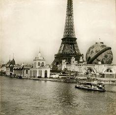Vue de l'Exposition universelle à Paris en 1900, Tour Eiffel et Globe Céleste - Photo :  National Gallery of Art, Washington DC