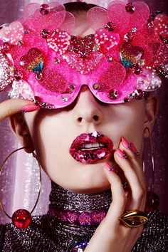 Jamie Nelson Vogue Ukraine Love Valentine Beauty Editorial with model Paulina Klimek Foto Fashion, Trendy Fashion, Fashion Blogs, Vogue Beauty, Fashion Beauty, Beauty Editorial, Editorial Fashion, Editorial Hair, Beauty Fotos