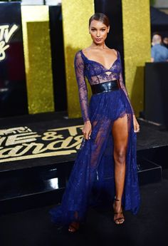Jasmine Tookes is literal perfection | http://www.hercampus.com/style/9-best-looks-2017-mtv-movie-tv-awards