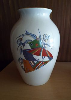 wunderschöne Art Deco Vase mit 3 handgemalten japanischen Motiven und Golddecor, guter zustand ohne Beschädigungen, handbemalt, gemarkt, SEC, made in Italy, qualita esclusiva.  Höhe ca. 20 cm. handpainted ART DECO Vase with 3  japanise themes. googd condition, height 20 cm.