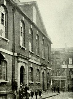London's Spitalfields Great Synagogue, formerly a Huguenot Church, photographed around the 1900s.