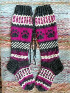 Villasukat 38 Gloves, Knitting, Fashion, Knitting Charts, Eggs, Moda, Tricot, Fashion Styles, Cast On Knitting