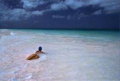 14_Bimini_Bahamas_1970_Pirelli_Calendar_14.jpg