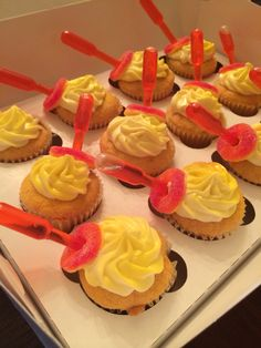 Peach Ciroc cupcake (alcoholic desserts parties) Mason Jar Desserts, Alcoholic Desserts, Party Desserts, Liquor Cake, Liquor Cupcakes, Drunken Cupcakes, Coffee Liquor Recipe, Cupcake Recipes, Cupcake Cakes