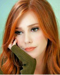 ❣️☥D 2☥❣️ Stunning Redhead, Gorgeous Redhead, Beautiful Gorgeous, Red Heads Women, Red Hair Woman, Elcin Sangu, Girls With Red Hair, Turkish Beauty, Auburn Hair