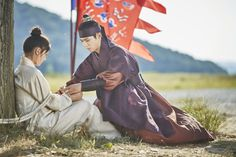 park bogum and kim yoojung in moonlight drawn by clouds ✧ still cuts