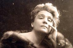 """""""Ti amo, ti amo e non oso più dirtelo."""" parole di Eleonora Duse rivolte al Vate, Gabriele D'Annunzio"""