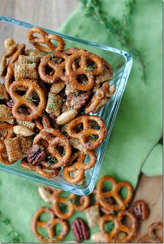 Who isn't a fan of pretzel mix? Make this for your next get together and I am sure it will be a hit. It is sweet and spicy and all around yummy. Enjoy this recipe from Eat Yourself Skinny! #Recipe #Pretzel #Mix