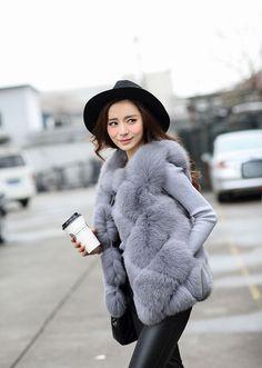 Fur Fashion, Fashion 2017, Winter Wear, Autumn Winter Fashion, Fur Coat Outfit, Fur Vests, Fur Gilet, Coats For Women, Clothes For Women