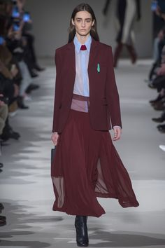 Victoria Beckham Autumn & Winter 2017 Ready to Wear Collection