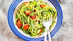 40 Healthy Dinner Ideas With Anti-Aging Benefits Feta Pasta, Salmon Pasta, Pasta Primavera, Pasta Integral, Cherry Tomatoes, Diet Recipes, Food And Drink, Stuffed Peppers, Vegetarian Recipes