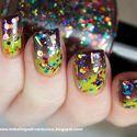 Chalkboard Nails: Maze Patterned Gradient Nails