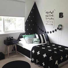 Trying to find boys' bedroom ideas? We've chosen our preferred layout schemes for boys, from trendy nurseries to functional teenage dens. Boys Bedroom Decor, Girls Bedroom, Bedroom Ideas, Childrens Bedroom, Bedroom Black, Decor Room, Trendy Bedroom, Boys Black And White Bedroom, Black White
