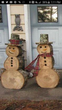 Snowmen made outta wood