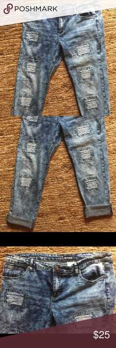 V.I.P. 15/16 blue Distressed jeans NWOT V.I.P. size 15/16 Blue Distressed Jeans! These are the cutest and stylish. I just love them, but lost weight and can't wear them V.I.P. Jeans Pants Ankle & Cropped