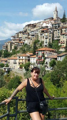 Munta e Cara Albergo Diffuso, Apricale, Italy Village