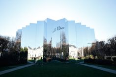 Christian Dior hosted a haute couture fashion show at Musée Rodin for Paris Fashion Week and blew us away with it's architectural savvy.